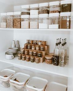 Kitchen Pantry Design, Kitchen Organization Pantry, Small Kitchen Organization, Diy Kitchen Storage, Diy Storage, Home Organization, Storage Ideas, Pantry Ideas, Kitchen Ideas