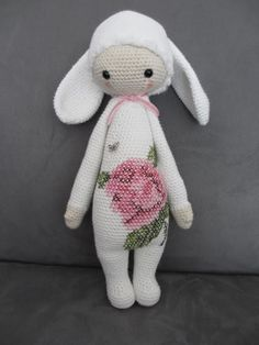 RITA the rabbit made by Julie D. / crochet pattern by lalylala