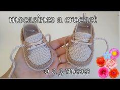 Mocasines tejidos para bebé - YouTube Crochet Sandals, Crochet Baby Booties, Cute Baby Shoes, Baby Girl Shoes, Homemade Shoes, Baby Shoes Pattern, Crochet Patron, Crochet Ripple, Baby Boots