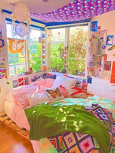 Indie Bedroom, Indie Room Decor, Cute Bedroom Decor, Room Design Bedroom, Room Ideas Bedroom, Bedroom Inspo, Pinterest Room Decor, Chill Room, Neon Room