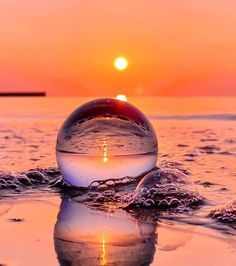 Amazing Photography, Nature Photography, Travel Photography, Beach Drinks, Tiki Hut, Through The Looking Glass, Cool Photos, Waves, Ocean