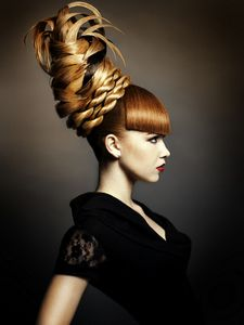 Woah! Look what I just found pinned on someone else's hair inspiration board. Such a cool feeling! :)