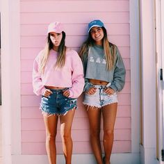 into this BFF look Best Friend Pictures, Bff Pictures, Friend Photos, Best Friend Fotos, Summer Outfits, Cute Outfits, Foto Instagram, Best Friends Forever, Girl Gang