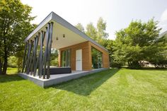 Low-Impact Prefab Vacation Cabin is at Home Anywhere
