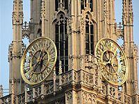 Собор Антверпенской Богоматери (нидерл. Onze-Lieve-Vrouwekathedraal) — римско-католическая приходская церковь в Антверпене. Принадлежит епархии Антверпена. Собор Антверпенской Богоматери был заложен в 1352 году, и хотя первый этап был закончен в 1521 году, строительство собора по сей день считается «незавершённым». Спроектирован в готическом стиле архитекторами Жаном и Петером Амелями. Содержит ряд значительных работ известнейшего художника в стиле барокко Питера Пауля Рубенса, а также…