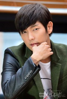 Lee Jun Ki Romances Zhou Dong Yu for His First C-movie Under the Sicilian Sun | A Koala's Playground