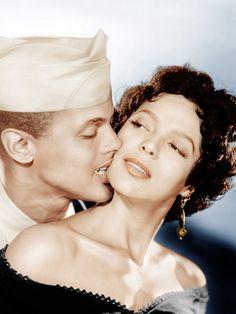 "Harry Belafonte y Dorothy Dandridge en ""Carmen Jones"", 1954 Harry Belafonte, Dorothy Dandridge, Hollywood Glamour, Classic Hollywood, Old Hollywood, Hollywood Style, Vintage Black Glamour, Vintage Beauty, Black Actresses"