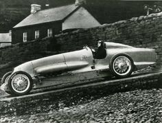 John Gordon Parry-Thomas in Babs at Pendine. Soon after this photo was taken Parry-Thomas fatally crashed.