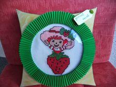 Moja darila: JAGODKA  (cross stitch - gift box)