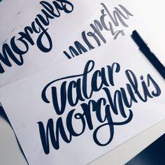 Valar Morghulis✨#magicwords #brushlettering #brushscript #handlettering #letteringdaily #calligritype #goodtype #vscocam #letteringbymaia