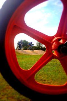 Looking Back at old school BMX racing through Skyway Tuffs.go team Vincent Frames! Motocross Action, Bmx Girl, Bmx Racing, Car Mirror, Old Skool, Frames, Vintage, School, Frame