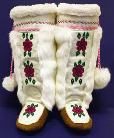 Moose Hide Moccasin Mukluks - how beautiful are these? Native American Regalia, Native American Beauty, Native American Beadwork, Native Indian, Native Art, Beaded Moccasins, Native Design, Indian Crafts, Nativity Crafts