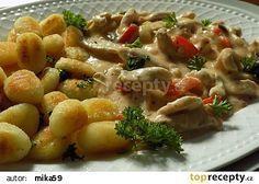Kuřecí nudličky v jogurtové omáčce s křupavými gnocchi recept - TopRecepty.cz Gnocchi, Pasta Salad, Poultry, Potato Salad, Macaroni And Cheese, Chicken Recipes, Food And Drink, Treats, Cooking