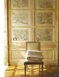 Lingerie dans une maison crée par Roberto Peregalli en Espagne . The world of interiors Octobre 2010 . Photo Roland Beaufre . roland-beaufre.book.fr