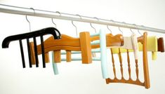 Perchas reutilizando viejos respaldos de sillas - Abitudine by Antonello Fusé. A series of coat hangers that utilizes old chair backs. Recycling, Reuse Recycle, Upcycle, Old Chairs, Vintage Chairs, Wooden Chairs, Wall Hangers For Clothes, Diy Clothes, Diy Blog