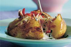 Bagt kartoffel med chili-, ost og skinkefyld
