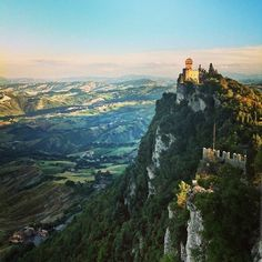 The sun is setting in San Marino, creating these beautiful changes in color in the valley minute-by-minute. From greens, to blues, to now a salmon pink as I type this. The temperature is refreshingly cool and the light woody smokiness of burning fireplaces scents the air. Feels like autumn - Instagram by @Rachelle Lucas