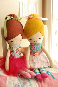 retro mama: ballerina doll sewing pattern - not sure if pattern is free (click on photo)