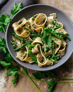 pasta with cutting-board parsley pesto |familystylefood|recipe