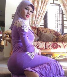 The Muslimah Sex Manual; A Halal Guide to Enjoyable Sex Arab Girls Hijab, Girl Hijab, Muslim Girls, Beautiful Muslim Women, Beautiful Hijab, Hijab Chic, Muslim Women Fashion, Indian Beauty Saree, Dance Outfits