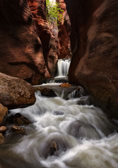 Beat the first Waterfall Boss unlocked Level 2 - Kanarra Creek Canyon UT [OC][3146x4487]