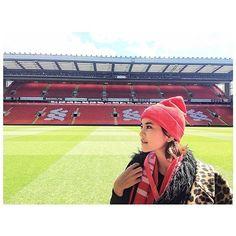 ก้อย รัชวิน เยือนสนาม Anfield , สาวก Liverpool Football Fans, Liverpool Fc, Crochet Hats, Angel, Red, Women, Fashion, Knitting Hats, Moda
