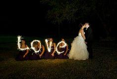 Awsome idea for wedding photo.