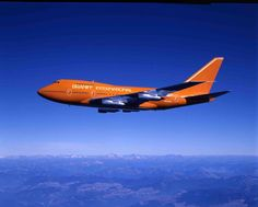 Braniff International Boeing registered as is flying high over Washington State during a pre-delivery test flight and photography mission in October Ship Braniff's first Plane Photos, Jumbo Jet, Boeing Aircraft, International Airlines, Civil Aviation, Time Warp, Commercial Aircraft, Nostalgia, Spacecraft