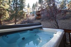 Emerald Moon - Two bedroom, one bathroom, Hot tub, wood burning fireplace and deck with BBQ.