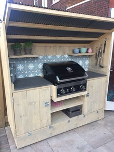 Our outdoor kitchen with Portugese tiles backsplash Outdoor Barbeque, Outdoor Kitchen Patio, Outdoor Kitchen Design, Backyard Bar, Backyard Garden Design, Bbq Shed, Bbq Places, Grill Gazebo, Outdoor Cooking