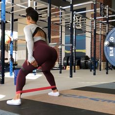 "1,368 Likes, 36 Comments - Ajahzi Gardner (@ajahzifit) on Instagram: ""HAMSTRING AND GLUTE DEMOLITION I'm going to be so dang sore. I tried sumo deadlifts and I'm…"""