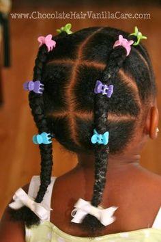 Photos : 15 coiffures de petite fille pour cheveux crépus | PARENTS.fr Lil Girl Hairstyles, Black Kids Hairstyles, Natural Hairstyles For Kids, Kids Braided Hairstyles, Kids Curly Hairstyles, 1940s Hairstyles, Braided Ponytail, Short Haircuts, Trendy Hairstyles