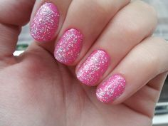 I love these Barbie nails !