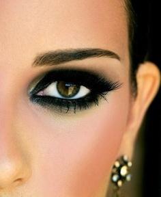 Black eyeshadow and black eyelashes
