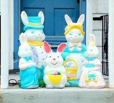I'm seeing bunnies -- it must be Easter. This picture of an Easter Bunny family on a doorstep is just one of the decoration ideas I present in my gallery: http://landscaping.about.com/od/galleryoflandscapephotos/ig/outdoor_Easter_decorations/