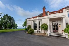 Mansion House Llansteffan Hotel - Carmarthen | Hotels | Britain's Finest Manson House, Carmarthen Bay, Mansions Homes, England And Scotland, Short Break, Beautiful Hotels, Stunning View, Historic Homes, Great View