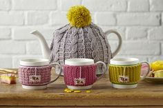 Practise some new stitches with these mug hug patterns then settle down to a cosy cuppa and some more hooky-time. Bliss! #crochet