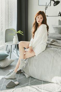 Lee Sung Kyung Korean Actresses, Korean Actors, Actors & Actresses, Lee Sung Kyung Fashion, Asian Woman, Asian Girl, Weightlifting Fairy Kim Bok Joo, Joo Hyuk, Photography Poses Women