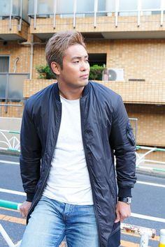 Kazuchika Okada, Japan Pro Wrestling, Bomber Jacket, Penguins, Rain, Protruding Eyes, Lucha Libre, Rain Fall, Penguin