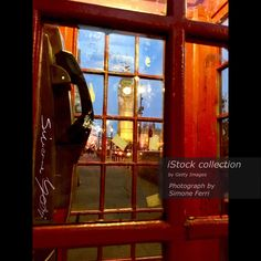 Tra tutte le foto che ho scattato, la mia preferita.   View of Big Ben through the red phone cabin  Available here: http://www.istockphoto.com/it/en/photo/view-of-big-ben-through-the-red-phone-cabin-gm674990770-123761053     Architecture #BigBen #Booth #Box #BritishCulture #CapitalCities #City #CityLife #CityStreet #ClockTower #England #FamousPlace #InternationalLandmark #Kiosk #LogCabin #London #England #NoPeople #Photography #Red #Telephone #UK #Vertical