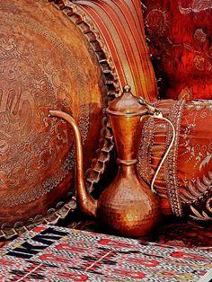 1001 Arabian Nights Fantasy Traditional Turkish Copperware and Rugs … … Moroccan Design, Moroccan Decor, Moroccan Style, Color Cobre, Copper Color, Copper Work, Metal Work, Orange Braun, Deco Restaurant