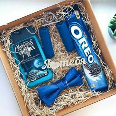 How to Make Fathers Day Gift Baskets and Hampers He'll Love Diy Father's Day Gifts, Father's Day Diy, Diy Gift Box, Gag Gifts, Love Gifts, Gifts For Dad, Birthday Goals, Blue Birthday, Birthday Ideas