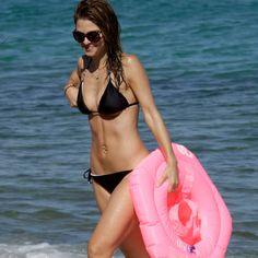 Maria Menounos Flaunts her bikini bod on the beaches of Greece! | toofab.com