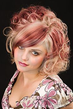 Red and light blonde hair I want to do Which Hair Colour, Color Your Hair, Cool Hair Color, Hair Colors, Feathered Hairstyles, Bride Hairstyles, Silver Hair Dye, Hair Color Guide, Light Blonde Hair
