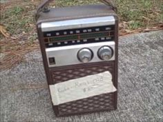 How to make a guitar amp from a hacked radio ~Build a vintage transistor radio guitar amp - YouTube