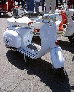 Love vespa Vintage ⛽️ #lovevespavintage #vespamania #vespalovers #ride #vespas…                                                                                                                                                                                 More