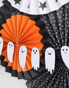 Halloween Mignon, Dulceros Halloween, Adornos Halloween, Halloween Disfraces, Holidays Halloween, Halloween Costumes, Halloween Decorations For Kids, Halloween Activities, Diy Halloween Banner