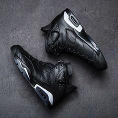 The Air Jordan Retro 6 'Black' drops this Saturday at Jimmy Jazz