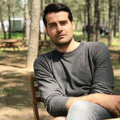 Turkish Actors, Men Sweater, Celebrities, Mens Tops, Twitter, Celebs, Men's Knits, Celebrity, Famous People