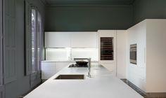 White kitchen with Silestone countertop